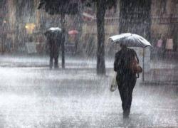جبهة هوائية تعبر البلاد في الساعات القادمة والأمطار ستشتد وتتوسع باذن الله