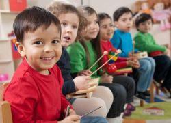 دراسة : الحاق الأطفال بالمدرسة قبل السن المناسب يعرضهم للضرر النفسي