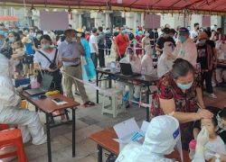 مع عودة الإصابات.. الصين تفرض إغلاقات محلية