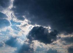 حالة الطقس: أجواء باردة ومغبرة وأمطار فوق المناطق الشرقية والجنوبية