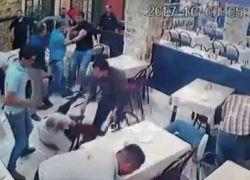 حدث في الاردن... رجال أمن يعتدون على دكتور جامعي - شاهد الفيديو
