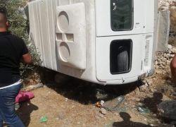 اصابة 13 طفلا في انقلاب حافلة قضاء بيت لحم