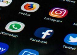 """فيسبوك وواتساب يتعرضان لخلل أستمر حتى """"90 دقيقة"""" والشركة تعلق"""