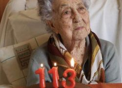 شفاء معمّرة اسبانية تبلغ 113 عاما بعد إصابتها بفيروس كـورونا