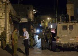 الاحتلال يعتقل 18 مواطناً من الضفة الغربية فجر اليوم