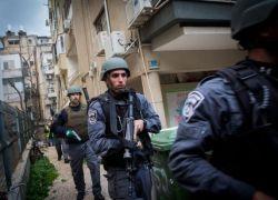 إسرائيل طلبت مساعدة السلطة في اعتقال منفذ عملية تل أبيب