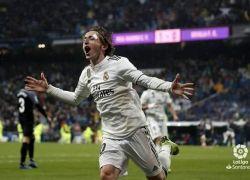 ريال مدريد يتغلب على إشبيلية بهدفي كاسميرو ومودريتش