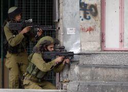 الاحتلال يعتقل زوجة أسير ووالده المسن في بلدة الخضر جنوب بيت لحم