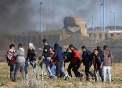 إصابات بالرصاص الحي مواجهات على حدود غزة