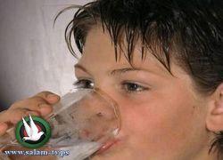 دراسة: تناول كوب ماء يساعد على التفكير ويهدئ الأعصاب