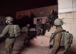 قوات الاحتلال تعتقل (8) مواطنين من أنحاء مختلفة من الضفة