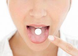 إذا كنت ممن يتناولون الدواء دون شرب الماء.. فتوقف فوراً