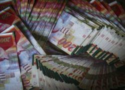 البنوك الاسرائيلية تُجمد حسابات عائلات اسرى