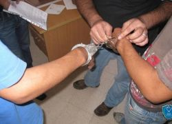 الشرطة تقبض على شخصين يشتبه بهما حيازة مواد مخدرة في طولكرم