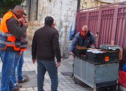 بلدية طولكرم تباشر بأعمال اعادة تنظيم الاسواق في المدينة .. شاهد الفيديو