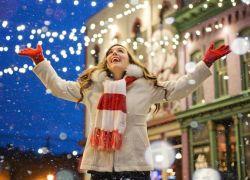 """""""الفرح بالأمر"""".. قرار يلزم سكان مدينة فرنسية بالسعادة"""