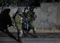 قوات الاحتلال تعتقل شابا من ضاحية ذنابة شرق طولكرم