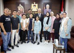 محافظ طولكرم عصام أبو بكر يعلن عن دعمه لمبادرة الحد من عمالة الأطفال