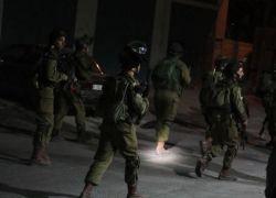 الاحتلال يعتقل 23 مواطنا من الضفة