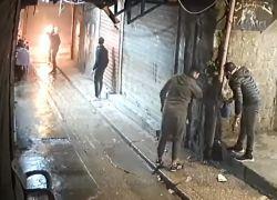بالفيديو: مواطن لبناني يُحرق نفسه لعدم تمكنه من علاج ابنته بسبب الأوضاع الاقتصادية