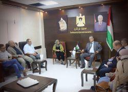 محافظ طولكرم عصام أبو بكر يلتقي ممثلي وسائل الإعلام الرسمي والمحلي
