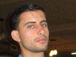 قوات الاحتلال تعتقل الصحفي أحمد العاروري في بلدة عارورة شمال رام الله
