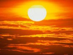 الطقس : حار نسبي ودرجات الحرارة أعلى من معدلها السنوي بقليل