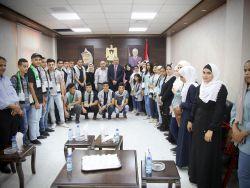 المحافظ أبو بكر يلتقي وفداً من لجان الشبيبة الثانوية لمدارس محافظة طولكرم