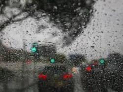 منخفض جوي مصحوب بأمطار غزيرة وعواصف رعدية مساء الاحد