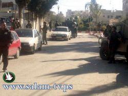 طولكرم:ضباط من المخابرات الإسرائيلية برفقة دوريات عسكرية يتجولون بالمدينة