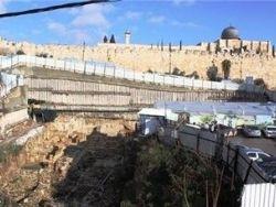 الفلسطينيون يحذرون من حفريات تدمر حقبا تاريخية ومعالم أثرية بالقدس