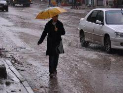 منخفض جوي ماطر يزور البلاد ظهر اليوم
