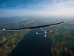 أول طائرة صديقة للبيئة تعمل بالطاقة الشمسية ـ شاهد الصور