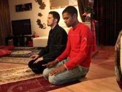آخر زمن : افتتاح مسجد خاص للمثليين جنسيا في باريس !