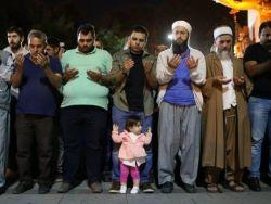 بعد 37 عاما ... الأتراك يصلون في أحد المساجد في الاتجاه الخاطئ