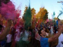 حرب الألوان بين المد والجزر - بقلم : لينا لفداوي