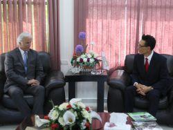 جامعة خضوري تستقبل رئيس الممثلية الكورية لدى فلسطين لبحث آفاق التعاون المستقبلي