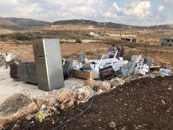 قوات الاحـتلال تهدم منزلا جنوب طولكرم - شاهد الصور
