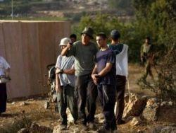 مستوطنون يهاجمون منازل المواطنين في عوريف