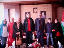 محافظ طولكرم عصام أبو بكر يلتقي وفداً من جمعية شباب الوطن الخيرية