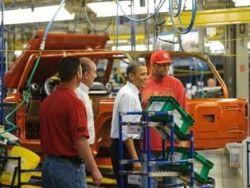 عمال مصانع السيارات أنقذوا أوباما من الفشل