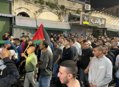 تشييع جثمان الشهيد نزار أبو زينة في مخيم طولكرم