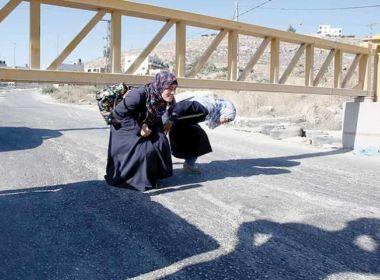 فصل واعتقال جنود تلقوا رشاوى على الحواجز