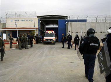 مصلحة السجون تفرض حظرا شاملا أسرى سجن نفحة
