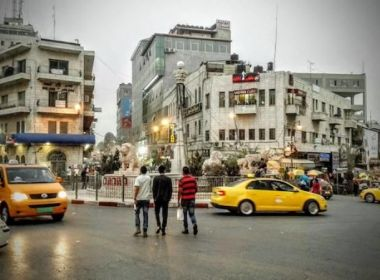وزارة المواصلات تنفي إقرارها تسعيرة جديدة للركاب