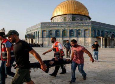 استشهاد سيدة داخل المسجد الاقصى نتيجة عرقلة الاحتلال وصول الاسعاف لها
