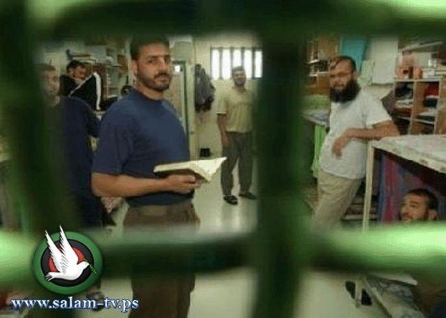 في اليوم الـ 13 للإضراب، قيادة الأسرى في انتظار رد مصلحة السجون غداً