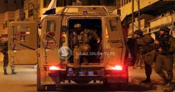 (10) إصابات برصاص الاحتلال واقتحام شركات اعلام ومراكز أبحاث بالبيرة