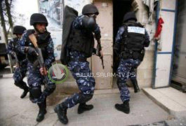 الشرطة تقبض على شخص قام بسرقة مبالغ مالية بقيمة اكثر من 150 الف شيكل