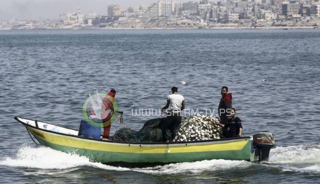 الاحتلال يلغي قرارا بتقليص مساحة الصيد في غزة